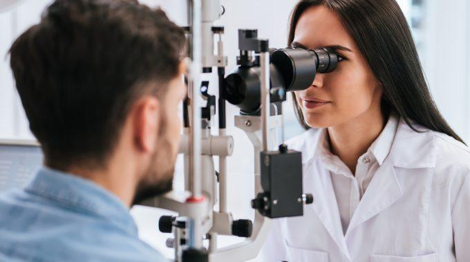Augenoptikermeister – das Gehalt im Augenoptikerhandwerk